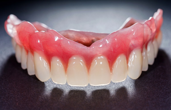 Dr Jasmine Piran - Cosmetic Denture